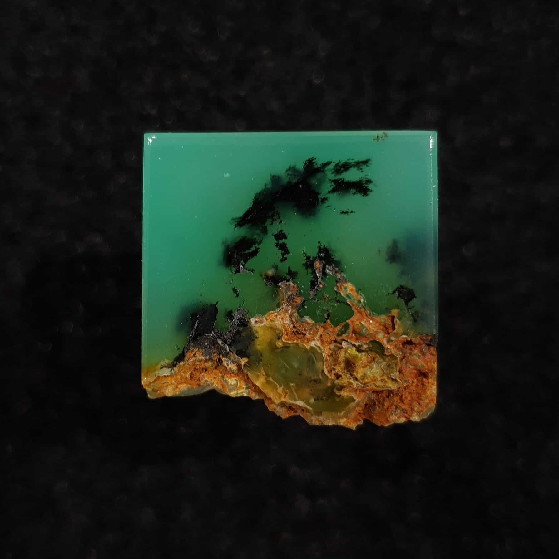 Chrysoprase with Dendrites